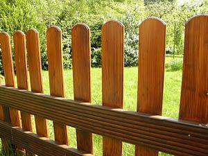 garden-fence-326616_1920